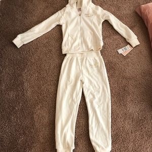 Little girls size 6 juicy Couture set